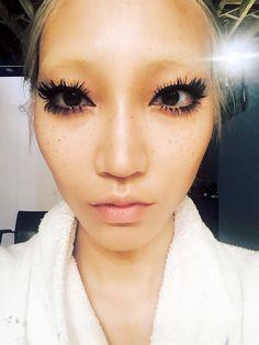 How to Get the Clumpy Lash Mascara Look - Soo Joo Park, Sir John Makeup