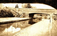 Vintage canal picture, done with Fotosketcher