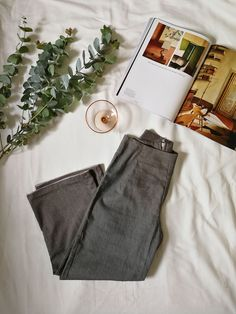 Source by drmartines clothing photography Flat Lay Photography, Clothing Photography, Fashion Photography, Product Photography, Photography Tips, Foto Still, Flatlay Styling, High Waisted Mom Jeans, Wide Leg Trousers