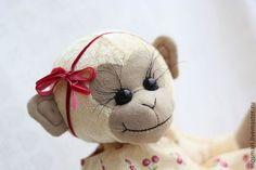 Мишки Тедди ручной работы. Ярмарка Мастеров - ручная работа. Купить Обезьянка Маруся (сидя - 22 см). Handmade. Золотой