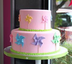 Love this sweet Fondant Pinwheel Cake by Whipped Bakeshop beautiful-cakes Cakes To Make, How To Make Cake, Beautiful Cake Pictures, Beautiful Cakes, Amazing Cakes, Pretty Cakes, Cute Cakes, Fondant Cakes, Cupcake Cakes
