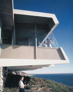 SHULMAN, JULIUS (1910-2009) [Spencer House (aka Spencer House III, aka the Malibu House), located above Castle Rock, Porto Marina Way, Malibu, CA. 1955. Richard Spencer architect].