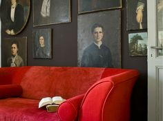 Auction Decorating: Decorating with paintings