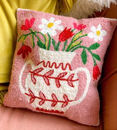 Weaving Projects, Crochet Projects, Needle Cushion, Funky Rugs, Hook Punch, Art Diy, Textile Fiber Art, Macrame Plant Hangers, Sewing Art
