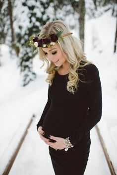 Maternity style shoot Makeup by Jasmine Hoffman Blue jasmine beauty group For booking inquiries msg mailto:littlejasminebeauty@hotmail.com http://www.jasmibehoffman.com