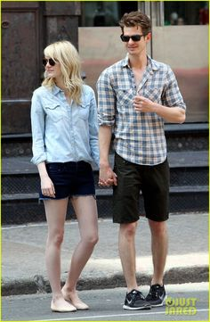 Emma Stone & Andrew Garfield Cuddle Up in NYC | emma stone andrew garfield cuddle up in nyc 05 - Photo