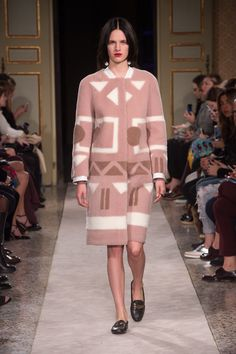 One of the looks from the new Tod's Women's Autumn Winter 2015/16 Collection, Italian Set. #tods #italianset #look #mfw #aw16