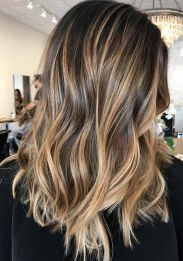 These updo balayage highlights really are fabulous. These updo balayage high Best Ombre Hair, Ombre Hair Color, Hair Color Balayage, Balliage Hair, Wavy Hair, Cute Hair Colors, Cool Hair Color, Balayage Highlights, Brunette Highlights