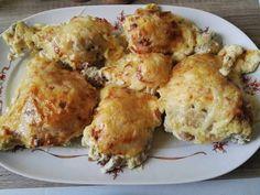 Fokhagymás, tejfölös csirkecombok sajttal sütve Cauliflower, Food And Drink, Meat, Baking, Vegetables, Recipes, Cauliflowers, Bakken, Recipies