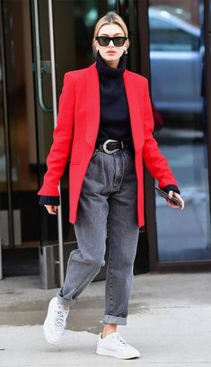 11 Amazing Fall Jeans and the Celebs Who Would Buy Them 11 Amazing Fall Jeans and the Celebs Who Would Buy Them,Street Style Hailey Bieber pleated jeans Best Street Style, Looks Street Style, Looks Style, Street Look, Street Styles, Estilo Hailey Baldwin, Hailey Baldwin Style, Mode Outfits, Chic Outfits