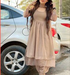 Pakistani Fashion Party Wear, Indian Fashion Dresses, Dress Indian Style, Pakistani Dress Design, Frock Fashion, Indian Designer Outfits, Designer Dresses, Beautiful Dress Designs, Stylish Dress Designs