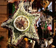 10 Things to Hang on a Pagan Holiday Tree: Natural Items
