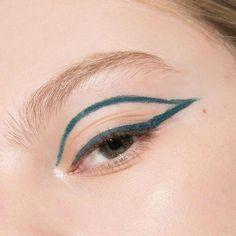 """Learn additional info on """"eyeliner styles"""". Look at our website. #EyelinerForBeginners How To Apply Blusher, How To Apply Eyeliner, Winged Eyeliner, Eyeliner Pencil, Waterline Eye Liner, Gel Liner, Glitter Eyeshadow Palette, Cream Eyeshadow, Makeup Palette"""