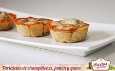 Tartaletas de champiñones, jamón y queso - Las tartaletas de champiñones, jamón y queso que hoy os presento os pueden sacar de mas de un apuro. ¿Unos invitados inesperados vienen a cenar y no sabes que servir como entrante? Estas tartaletas son tanto por su sencillez como por la rapidez con que se elaboran una buena propuesta, sin du... - http://www.lasrecetascocina.com/2014/11/01/tartaletas-de-champinones-jamon-y-queso/
