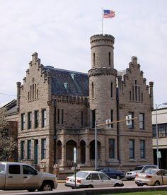 Old Vanderburgh County Jail (Evansville, Indiana) by courthouselover, via Flickr