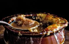 Recipe: French Onion Soup With Garlic-Gruyère Croutons || Photo: Evan Sung for The New York Times