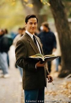 Keanu Reeves Sui Generis : Many Faces of Keanu Reeves Keanu Reeves House, Keanu Reeves Movies, Keanu Reeves Quotes, Keanu Reeves John Wick, Keanu Charles Reeves, Os Goonies, Celebrities Reading, Famous Celebrities, Celebs