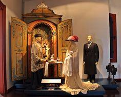 A cena de um batizado foi reconstruída e podemos observar as vestimentas, mobiliário e objetos dos século XVIII e XIX. Ali está um oratório ermida do século XVIII, com Nossa Senhora do Rosário.