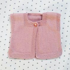 Pink Baby : Petit gilet de Jade – Le Pavillon Créatif Cardigan Bebe, Knit Cardigan, Baby Kind, Baby Sweaters, Baby Knitting, Knitwear, Pink, Flow, Rose