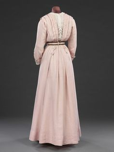 Day dress | V&A Search the Collections Great Britain, United Kingdom (made)  Date: ca. 1908 (made)