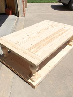 ideas for pallet furniture coffee table restoration hardware Pallet Furniture Coffee Table, Coffee Table Plans, Diy Coffee Table, Diy Outdoor Furniture, Decorating Coffee Tables, Coffee Table Design, Diy Table, Diy Furniture, Coffee Table Out Of Pallets