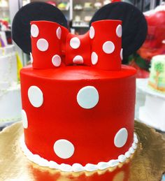 Minnie Mouse birthday cake. Cake # 055.