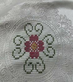 1 million+ Stunning Free Images to Use Anywhere Cross Stitch Cards, Cross Stitch Flowers, Cross Stitching, Embroidery Hoop Art, Crewel Embroidery, Cross Stitch Embroidery, Cross Stitch Designs, Cross Stitch Patterns, Crochet Bedspread