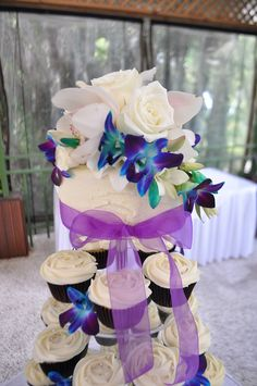 Blue Wedding Cupcakes | Cream, purple and blue wedding cupcakes | Flickr - Photo Sharing!