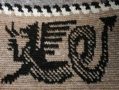 I want to use this design on Isaac's sweater Tapestry Crochet, Crochet Rugs, Motif Fair Isle, Crochet Dragon, Tunisian Crochet, Crafty, History, Knitting, Dragons