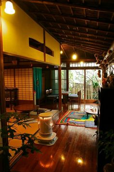 Interior Japanese style porch and heater Japanese Style House, Traditional Japanese House, Japanese Modern, Japanese Interior, Japanese Homes, Architecture Design, Japanese Architecture, Room Interior, Interior And Exterior