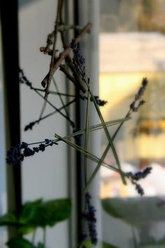 Dried lavender and twig stars - natural and recycled christmas decor