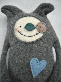 Dog Stuffed Animal Felted Sweater Wool Upcycled von sweetpoppycat