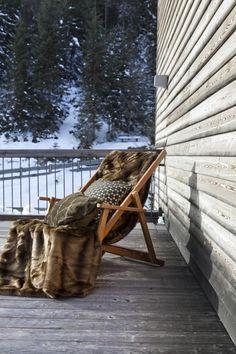 Im Winter kann auch im Freien entspannt werden.  Fotocredits: FINE Trunks, Winter, Plants, Outdoor, Asylum, Home Decor Accessories, Culture, Textiles, Homes