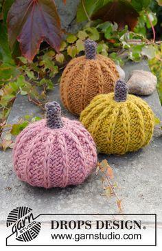 Free Knitting Pattern for Halloween Pumpkins Halloween Knitting Patterns, Cable Knitting Patterns, Knitting Wool, Knitting Projects, Crochet Patterns, Drops Design, Tejido Halloween, Cinderella Pumpkin, Labor