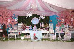 ANTES DA FESTA: Alice no Pais das Maravilhas