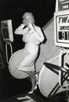 Marilyn arriving in Los Angeles to film Some Like It Hot, 1958.