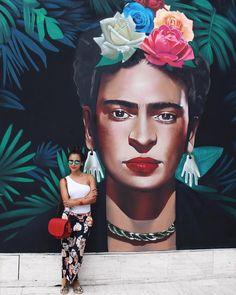 Happy birthday @fridakahlo  Forever my #inspiration  Mural at the beautiful @fridakahlorestaurantes #playadelcarmen