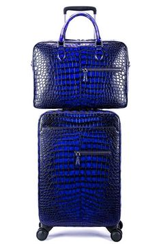 If you are looking for a perfect luggage set then putting your hands on this alligator spinner luggage set is going to be the best choice for you to have Luxury Luggage, Luxury Bags, Toiletries List, Travel Toiletries, My Bags, Purses And Bags, Crocodile, Luggage Sets, Pink Luggage