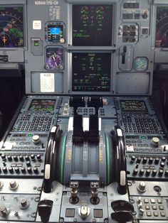 Aircraft Instruments, Flight Simulator Cockpit, Air P, Airplane Wallpaper, Airbus A320, Airline Pilot, Air Space, Commercial Aircraft, Flight Deck
