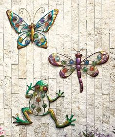 Spring into the new season with these fun outdoor wall decor items - choose from a butterfly, frog, or dragonfly!