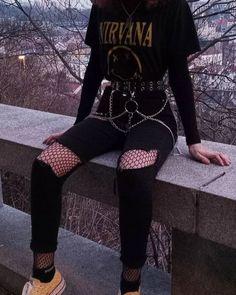 Hola, soy nueva haciendo esto, ojalá les guste este imagina que eh ec… #fanfic # Fanfic # amreading # books # wattpad Grunge Style Outfits, Aesthetic Grunge Outfit, Cute Casual Outfits, Retro Outfits, Aesthetic Clothes, Vintage Outfits, Black Outfit Grunge, Aesthetic Style, Goth Aesthetic