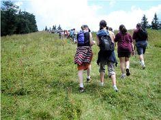 Teens_Hiking_1434349