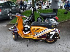 Scooter Custom, Lambretta Scooter, Motor Scooters, Paint Ideas, Cars Motorcycles, Greece, Bike, Street, Vehicles