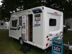 Coachman Vision 380 - Practical Caravan Camping Trailer For Sale, Window Fitting, Caravans For Sale, Small Campers, Flush Toilet, Front Windows, Roof Light, Small Shelves, Four Corners