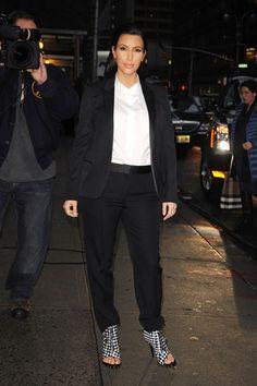 Kim Kardashian Photo - Kim and Kourtney Visit 'Letterman'