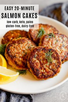 Easy Low-Carb Salmon Patties These easy canned salmon patties (aka cakes) are perfect for meal prep or weeknight dinners. Ready in 20 minutes, these heart-healthy patties are gluten-free, dairy-free, low-carb, keto and paleo—everyone is happy! Canned Salmon Cakes, Canned Salmon Patties, Canned Salmon Recipes, Salmon Patties Recipe, Healthy Salmon Patties, Salmon Patties Baked, Whole 30 Salmon Cakes, Leftover Salmon Recipes, Healthy Salmon Cakes
