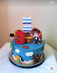Jake Cake, Cupcakes, Cupcake Cakes, Cake Fondant, Pirate Birthday Cake, Birthday Cakes, 3rd Birthday, Birthday Ideas, Treasure Chest Cake