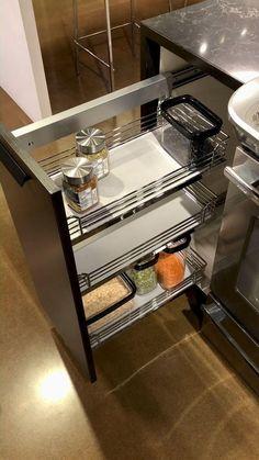 Kitchen Cupboard Designs, Kitchen Pantry Design, Modern Kitchen Design, Home Decor Kitchen, Interior Design Kitchen, Kitchen Storage, Kitchen Modular, Modern Kitchen Cabinets, Cuisines Design