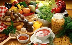 The Importance of Vitamin in a Vegetarian Diet. It's something we become aware of all the time: individuals, in general, do not eat healthy. The average diet plan includes too much hydrogenated fat and b Whole Food Diet, Whole Food Recipes, Diet Recipes, Vegetarian Recipes, Healthy Recipes, Vegetarian Diets, Going Vegetarian, Healthy Food, Vegetarian Italian