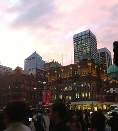 SydNey iN tHe eveNiNg